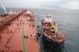 Cepsa, the first bunker supplier in the Strait of Gibraltar with mass flow meters on its barges
