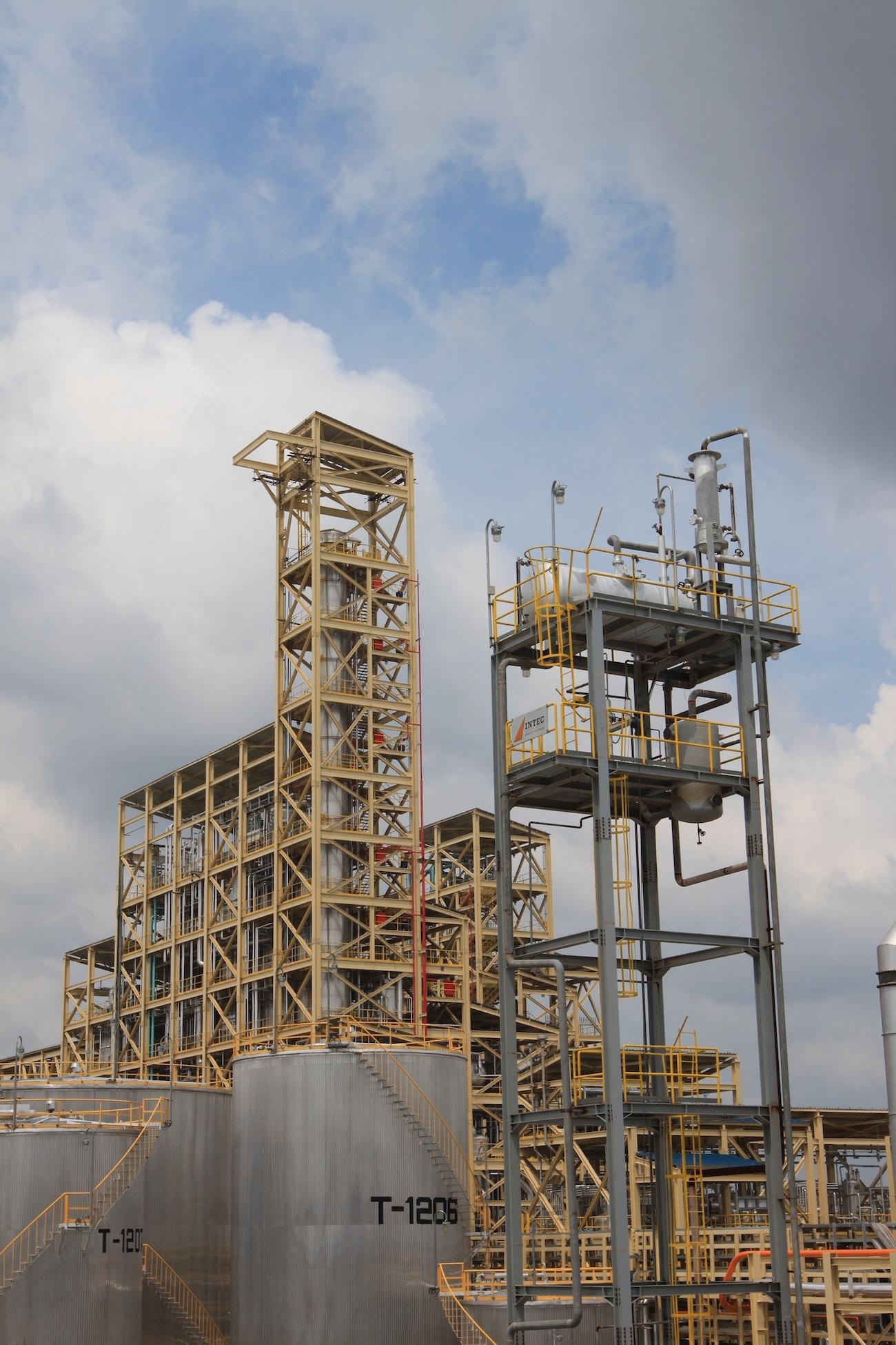 Sinar Mas Cepsa starts up production at eur 300 million